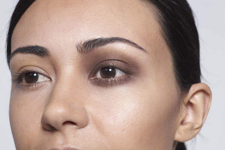 2 10 minute make up - Chocolate eyes