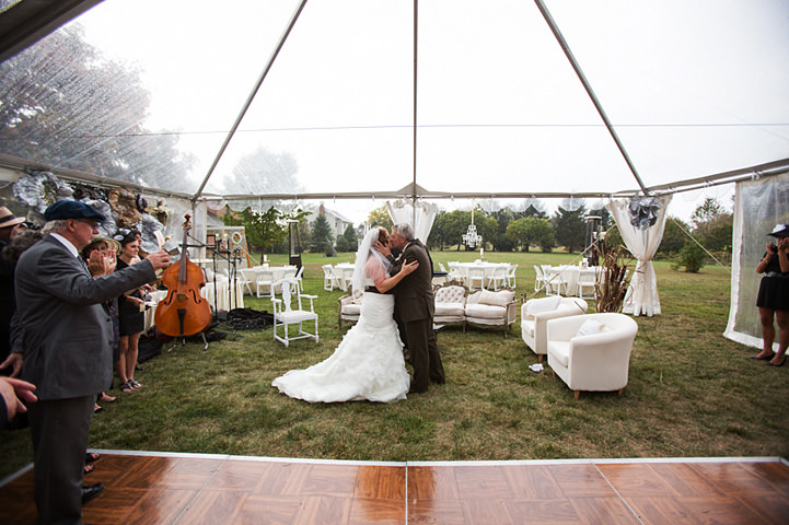 21 Backyard Wedding With a Touch of Autumn Vintage Elegance
