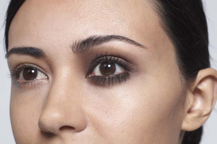 4 10 minute make up - Chocolate eyes