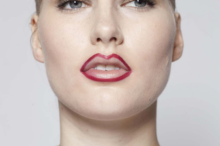 4 10 minute make up - Red Lips