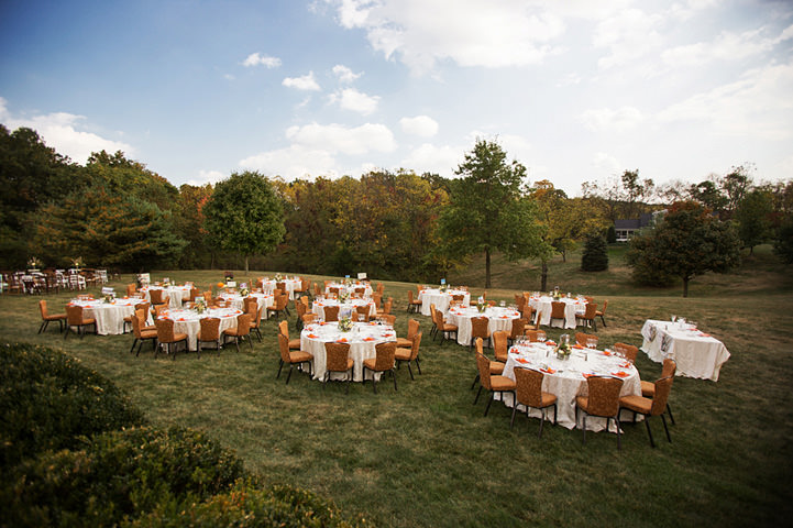 40 Backyard Wedding With a Touch of Autumn Vintage Elegance