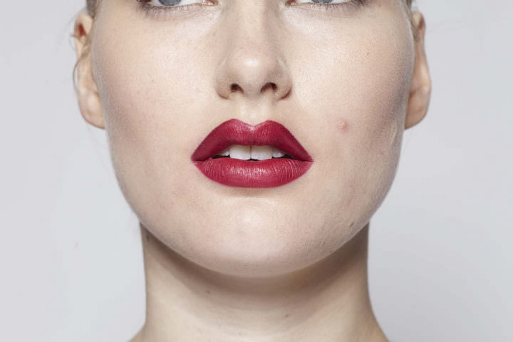 5 10 minute make up - Red Lips