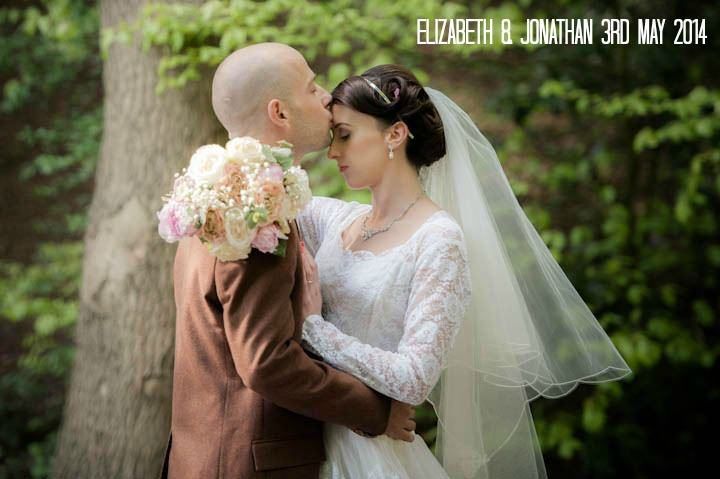 Elizabeth & Jonathan's Traditional Knees Up. By Jennifer Peel Photography