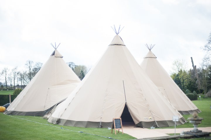 12 Nicola & Harry's Vintage Tipi Wedding. By SDS Photography