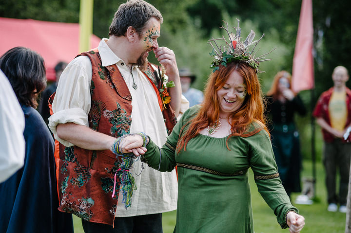 19 New Forest Handfasting. By Lemontree Photography