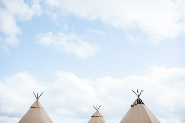 2 Nicola & Harry's Vintage Tipi Wedding. By SDS Photography