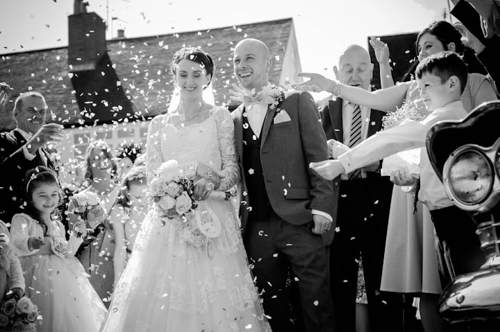 26 Elizabeth & Jonathan's Traditional Knees Up. By Jennifer Peel Photography
