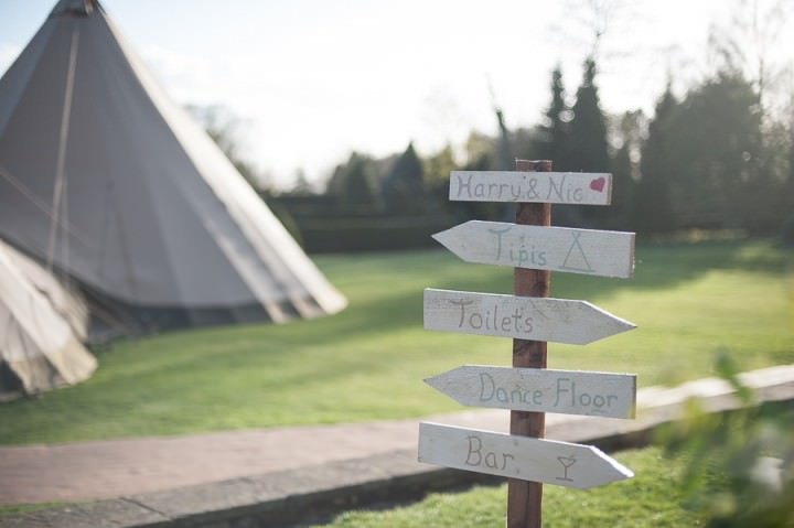 30 Nicola & Harry's Vintage Tipi Wedding. By SDS Photography