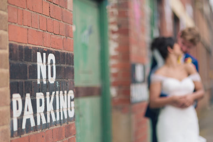 4 Danielle & Andy's Vibrant, Urban Wedding. By Murray Clarke