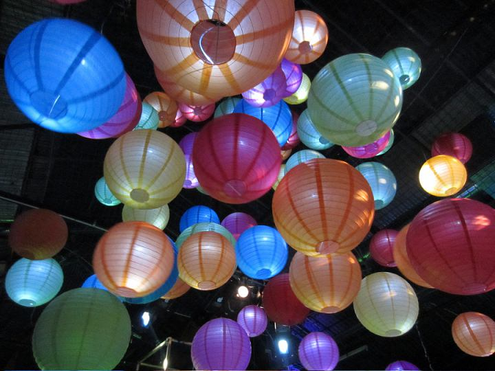 5 Hanging Lantern company