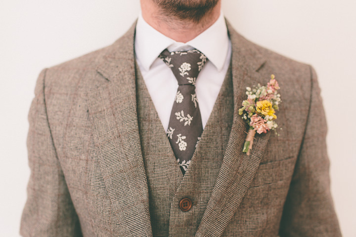 2 Ellie & Neil's Vintage, Shabby Chic Wedding. By Scuffins Photography