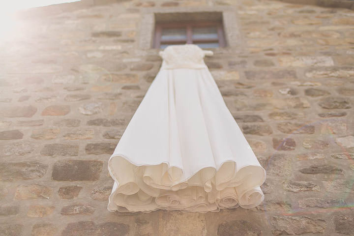 Rachel And Andrews DIY Wedding With A Beautiful Homemade Wedding - Homemade Wedding Dress