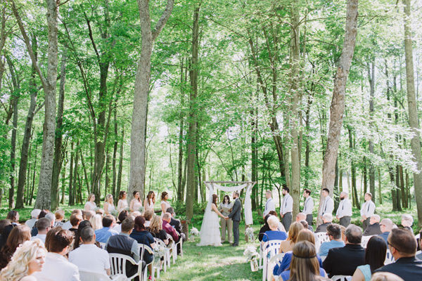 Ruffled - photo by http://www.withloveandembers.com/ - http://ruffledblog.com/ostertag-vistas-wedding/