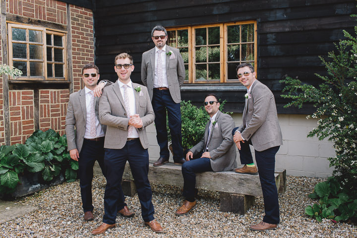 32 Relaxed Barn Wedding By Murray Clarke Potography