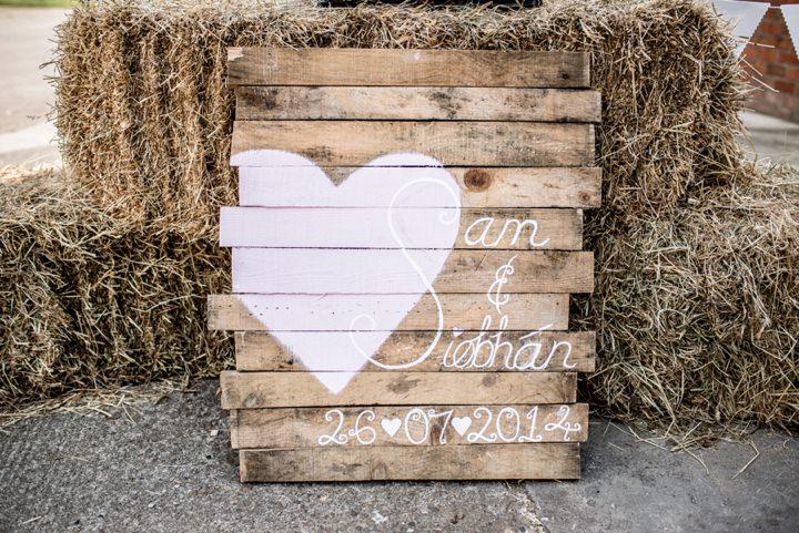 16 DIY Barn Wedding By D J Archer Photography