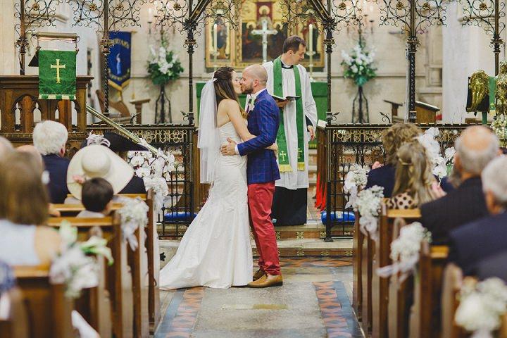 25 Laid Back Garden Wedding By Nicki Feltham Photography