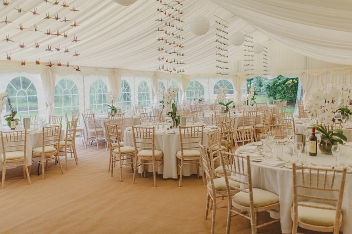 Stephanie and samuel 39 s laid back garden wedding with 1000 for 1000 paper cranes wedding decoration
