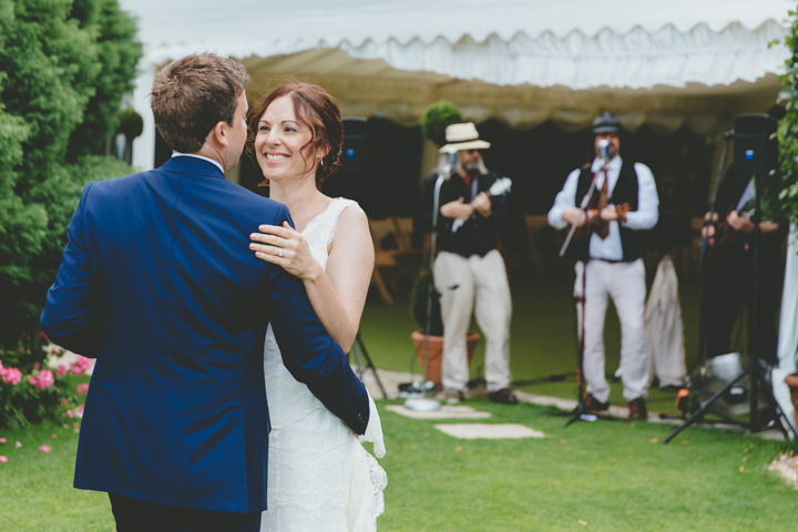 35 Relaxed Garden Wedding By Paul Underhill