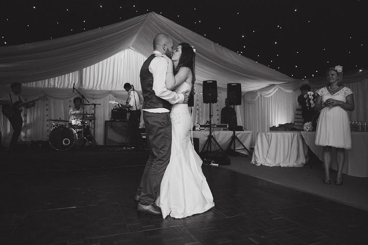 48 Laid Back Garden Wedding By Nicki Feltham Photography
