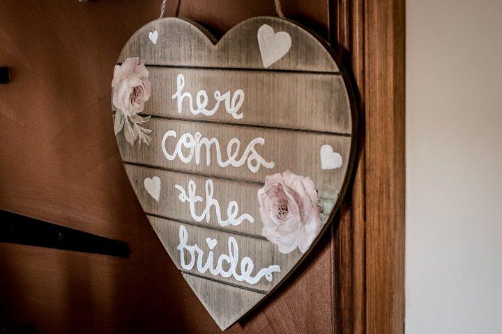 7 DIY Barn Wedding By D J Archer Photography
