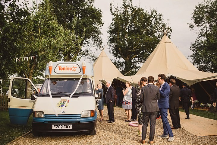 42 Tipi Garden Wedding By Lola Rose Photography