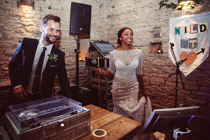 44 Woodland Themed Wedding By Oxi Photography