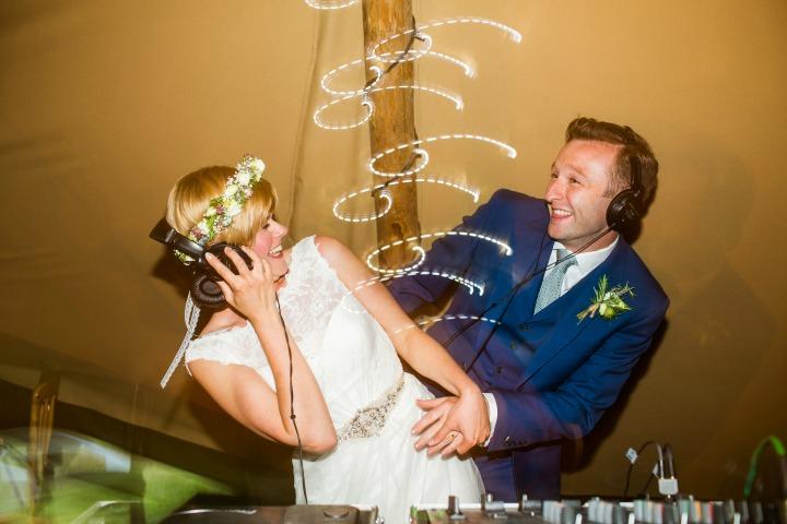 Stick it On Wedding Entertainment