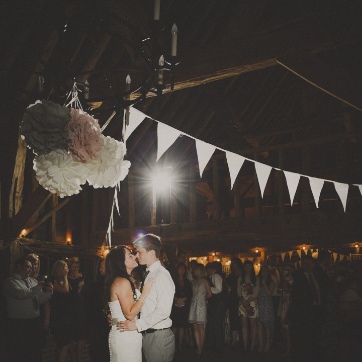 44 Barn Wedding By J and M Photography