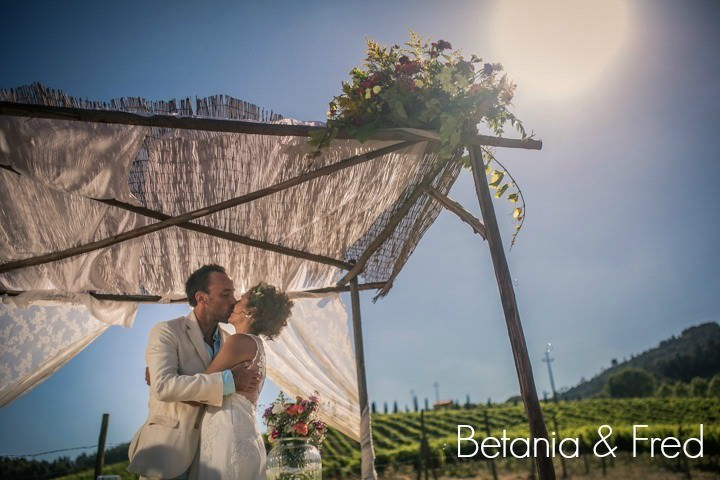 Betania and Fred's 'Rustic Village' Portuguese Wedding. By Fabioazanha