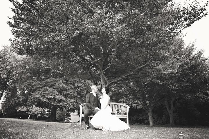 21 Backyard Wedding. By Benni Carol Photography.