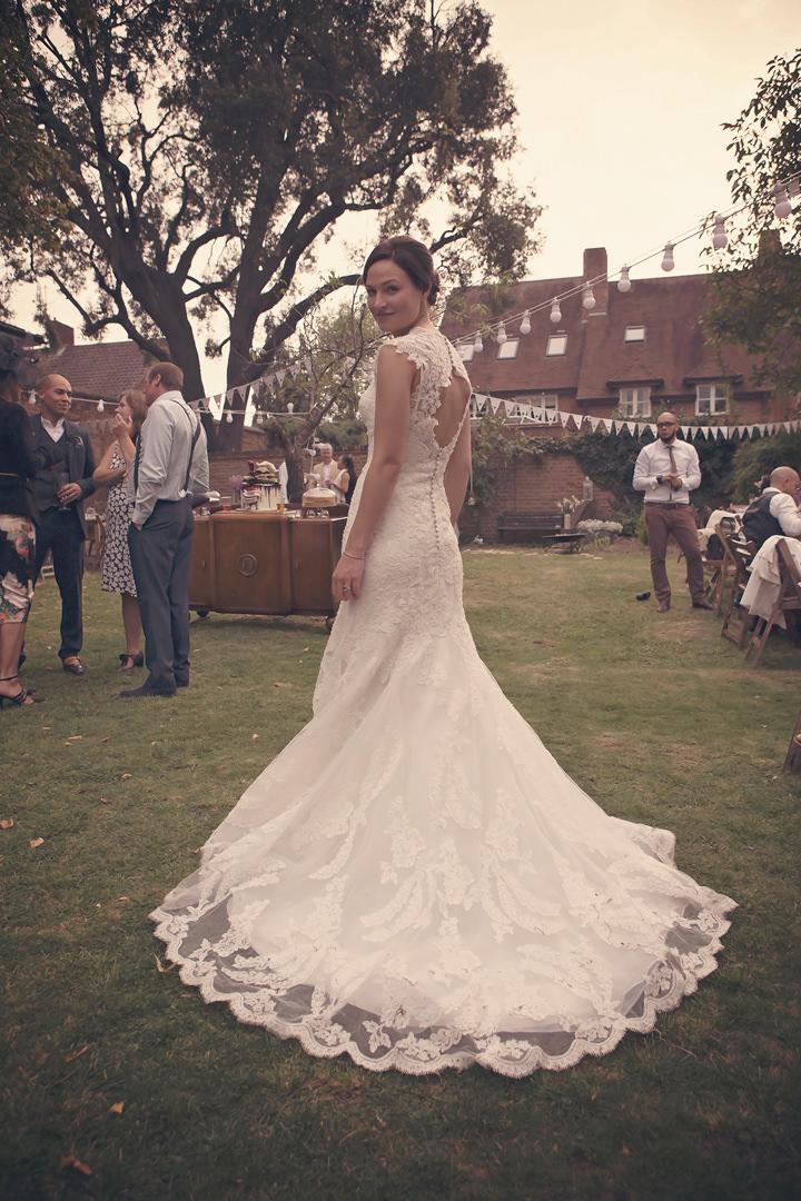 30 Backyard Wedding. By Benni Carol Photography.