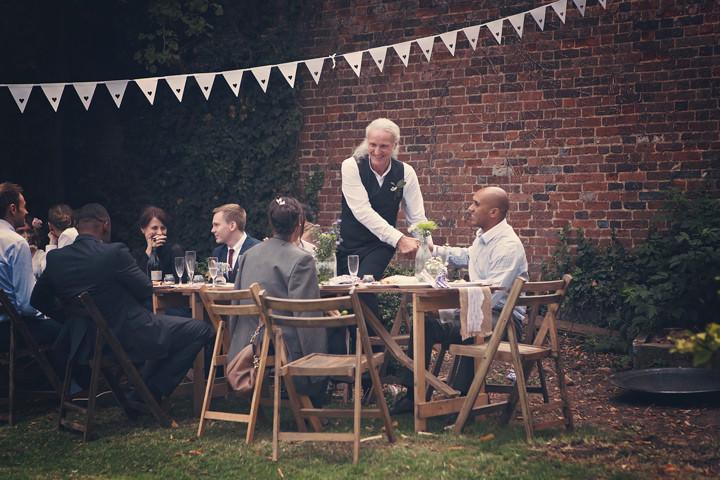 32 Backyard Wedding. By Benni Carol Photography.