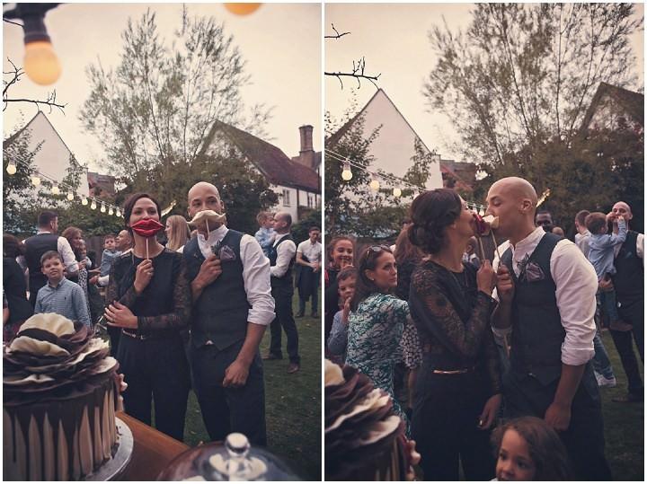 35 Backyard Wedding. By Benni Carol Photography.