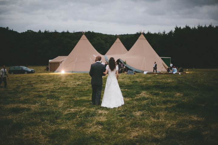 4 Tipi Wedding, by Ellie Grace Photography
