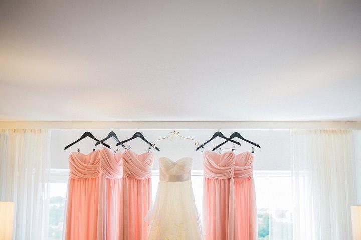 Outdoor Swedish Wedding bridesmaid dresses in Göteborg By Loke Roos Photography