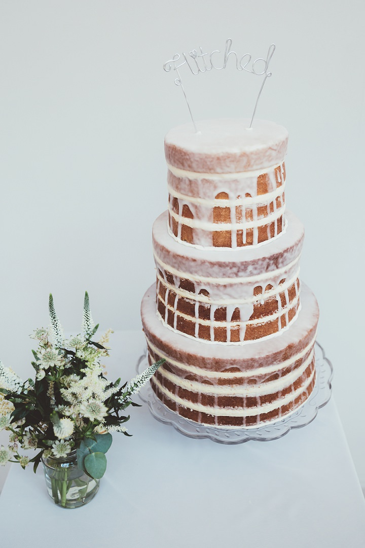 Doddington Hall Lincolnshire Wedding with a lemon drizzle naked wedding cake