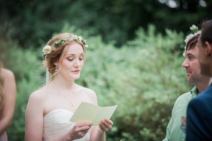 Outdoor Swedish Wedding readings in Göteborg By Loke Roos Photography