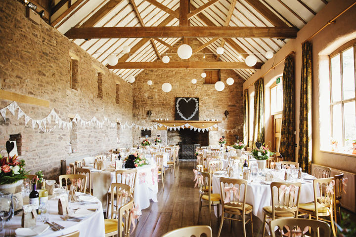 Barn Wedding setting for wedding breakfast in Hereford By Gemma William's Photography