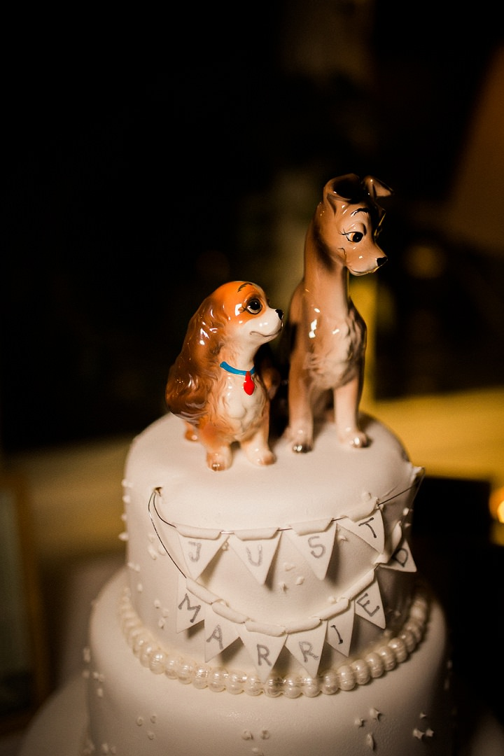 Outdoor Swedish Wedding cake topper in Göteborg By Loke Roos Photography