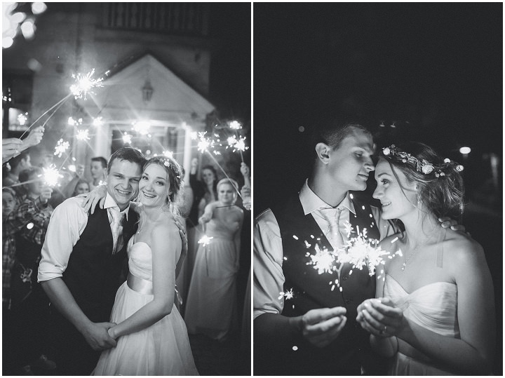 Outdoor Swedish Wedding sparklers in Göteborg By Loke Roos Photography