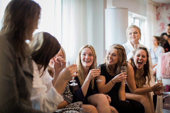 Outdoor Swedish Wedding bridesmaids in Göteborg By Loke Roos Photography