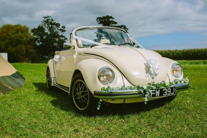 Romantic and Woodland Car Wedding Inspiration