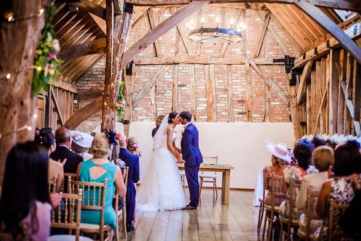 Wedding at Bassmead Manor kissing Barn Cambridge By Dewan Demmer Photography