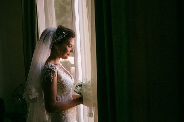 Tuscany bride Wedding By Helen Abraham Photography