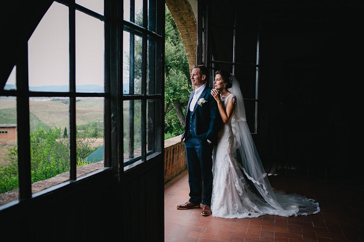 Tuscany bride and groom Wedding By Helen Abraham Photography