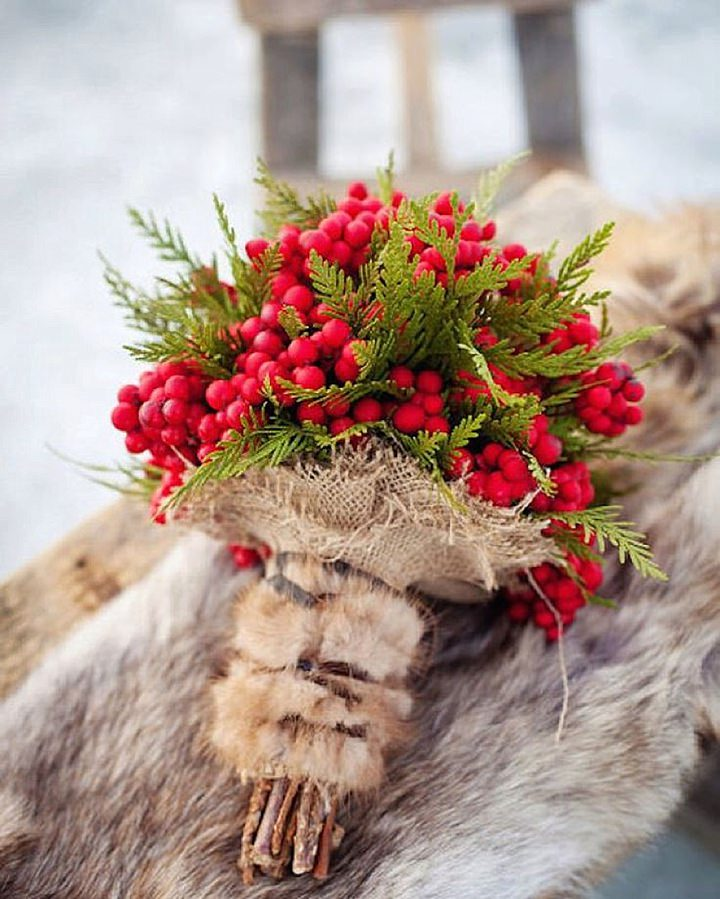Boho Pins: Top 10 Pins of the Week from Pinterest: Christmas Berry Bouquet Weddings