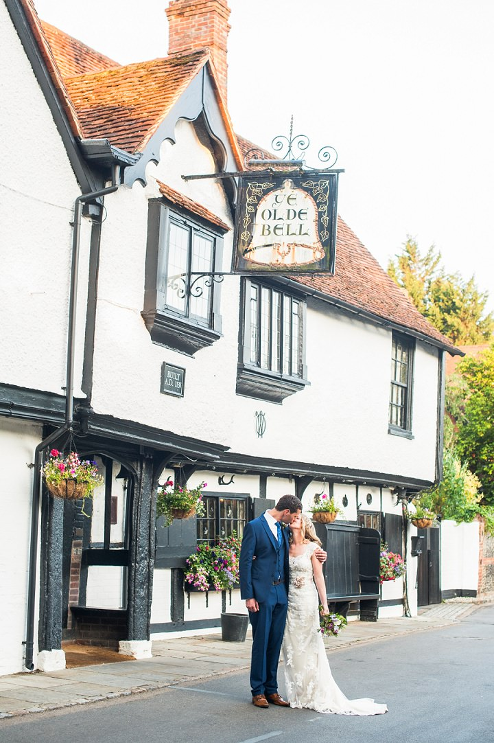 Handmade Berkshire Wedding Ye Olde Bell By Source Images