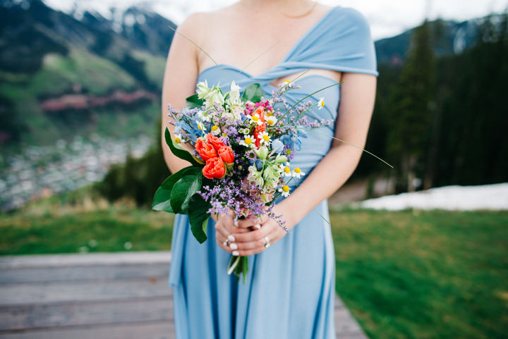 16 Colorado Wedding in the Snowy Mountains By Searching For The Light