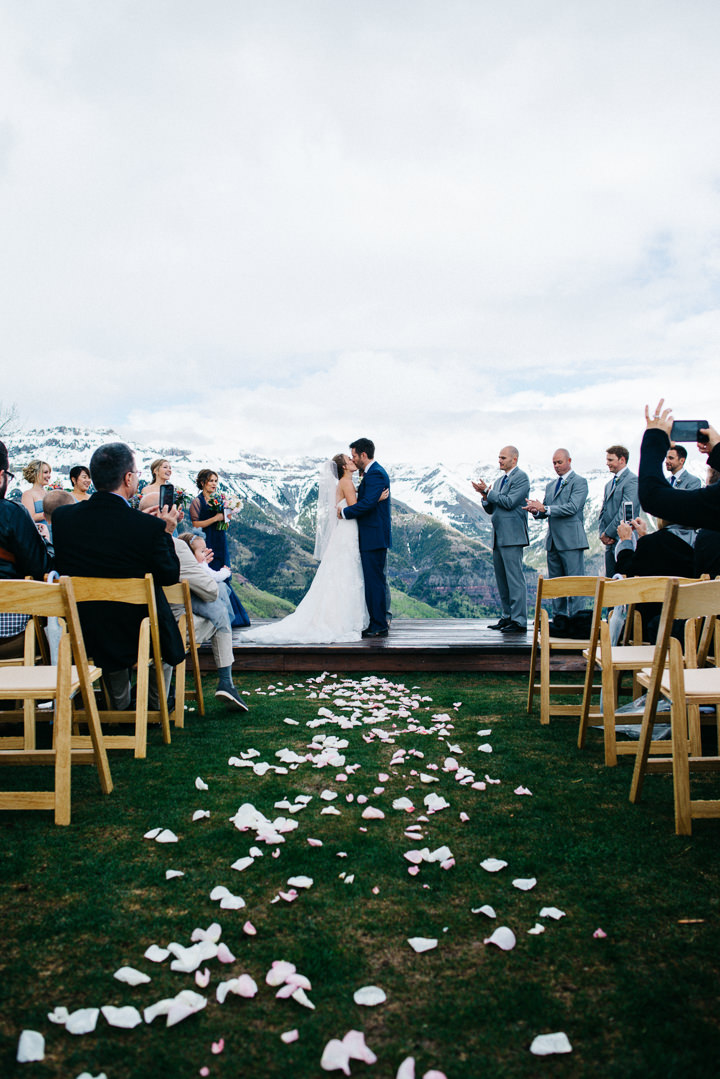 28 Colorado Wedding in the Snowy Mountains By Searching For The Light