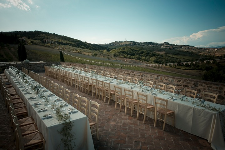 Tuscany Wedding reception outdoors By David Bastianoni Photography